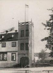 Altes Feuerwehrgerätehaus mit Steigerturm
